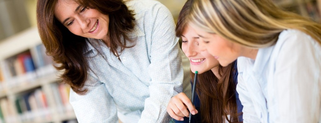 Small classes and native-speaking, experienced English teachers!